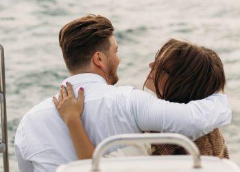 on-a-yacht-2920946_640